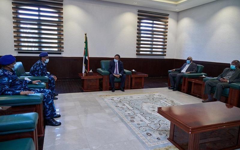حمدوك يتلقى تنويراً حول الأوضاع الأمنية بالبلاد