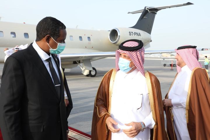 النائب الأول لرئيس مجلس السيادة يصل العاصمة القطرية الدوحة