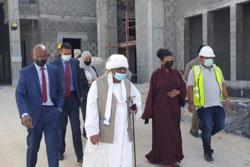 وزارة المالية تبحث الفرص الاستثمارية مع البحرين