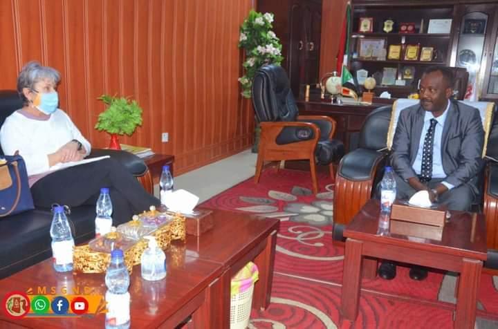 عربي يطلع وفد السفارة الأمريكية على مجمل الأوضاع بشمال دارفور