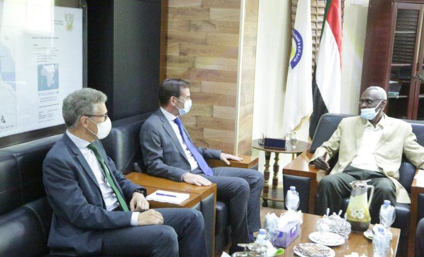 وزير الري يلتقي رئيس بعثة الاتحاد الاوربي بالخرطوم