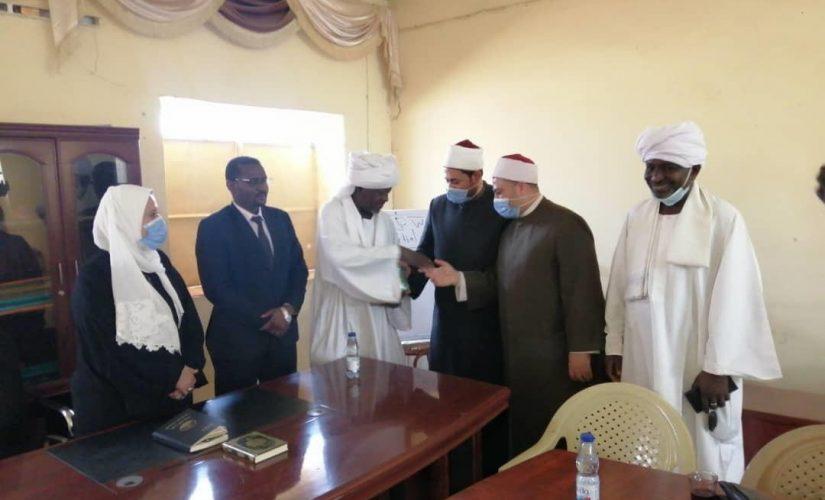 القافلة الدعوية السودانية المصرية تقف على أنشطة الأوقاف بشمال دارفور