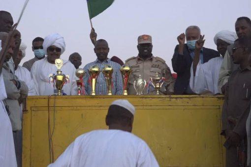الهادي إدريس يشهد ختام مهرجان الفروسية بنيالا