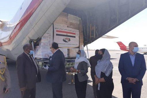 وصول 3 طائرات مصرية تحمل مساعدات طبية إلى السودان