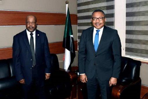 وزير الخارجية المكلف يلتقي وفد المحكمة الجنائية الدولية
