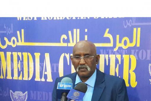 صالح يتفقد سير العمل بأكاديمية العلوم الصحية بالفولة