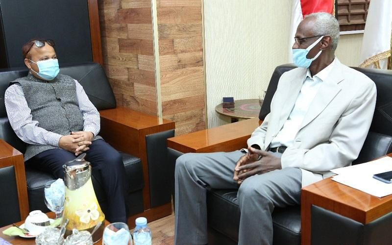وزير الري يلتقي سفيري الهند والنرويج