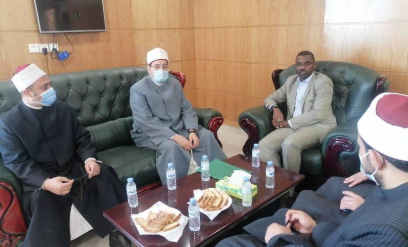 مفرح يلتقي وفد وزارة الاوقاف المصرية