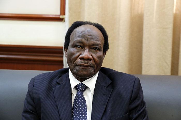 وزير الاستثمار يؤكد السعي لازالة مشاكل ومعوقات النشاط الاستثماري