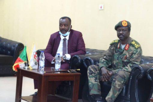 عربي يلتقي القائد حقار ويتفقد نقاط ارتكاز القوات المشتركة