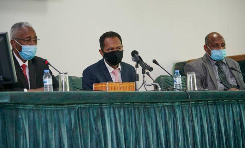 خالد عمر:معالجة الضائقة المعيشية والتحدي الأمنى من أولويات الحكومة