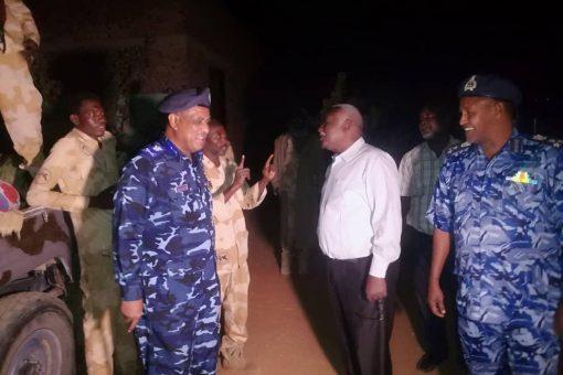 والي سنار ومدير عام شرطةالولاية يتفقدان إرتكازات الشرطة بالأسواق
