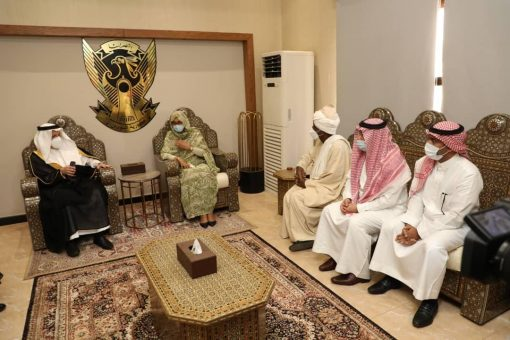 وزير الدولة للشؤون الإفريقية السعودي يصل البلاد