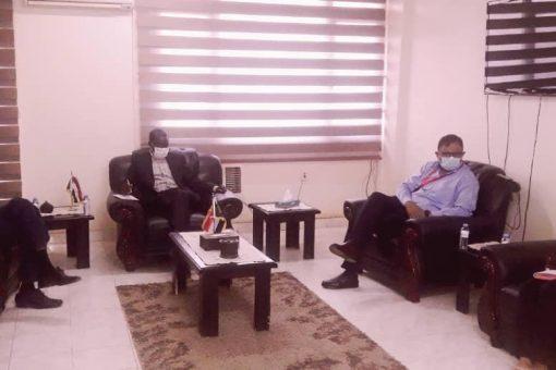 ضحية يلتقي المدير القطري لمنظمة رعاية الطفولة العالمية