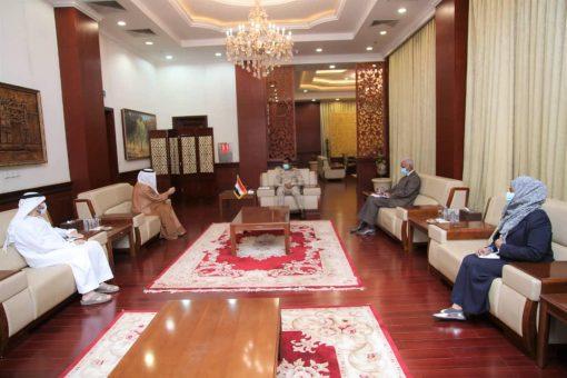 النائب الأول لرئيس مجلس السيادة يلتقي سفير دولة الإمارات بالخرطوم