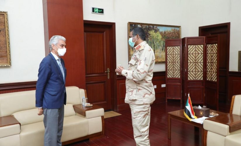 النائب الأول لرئيس مجلس السيادة يستقبل مبعوث الاتحادالافريقي محمدولد لبات