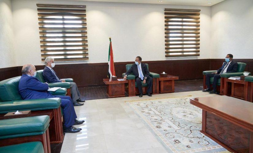 حمدوك يستقبل مستشار رئيس مفوضية الإتحاد الأفريقي