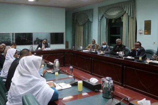 وزير مجلس الوزراء يلتقي رؤساء الوحدات والمجالس التابعة لمجلس الوزراء