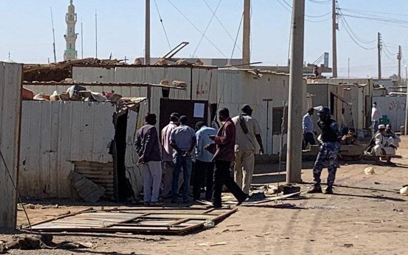 تنظيم وازالة كافة اشكال العشوائيات بسوق وادي حلفا