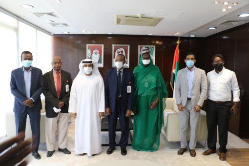 الهلال الاحمر الإماراتي يوقع عقودتوريد أجهزةغسيل كلي لمستشفى البان جديد