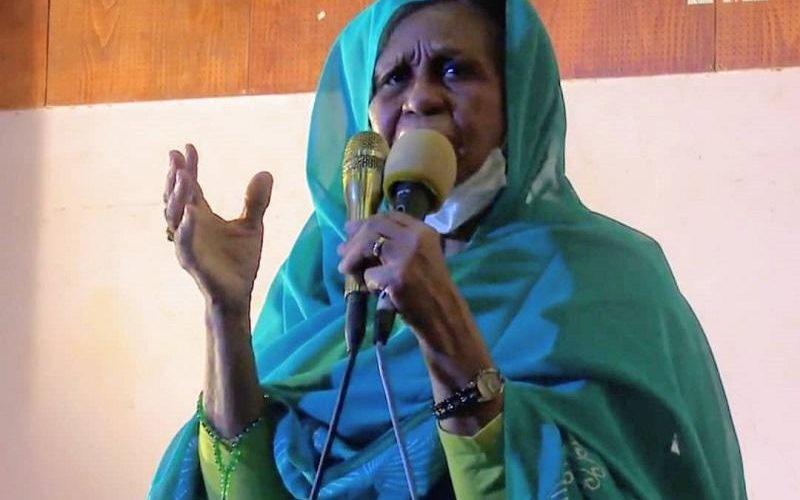 عائشة موسى تشيد بدور المسرح في إثراء الحياة العامة