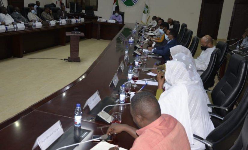 والي الخرطوم يعقد اجتماعاً موسعا لمناقشة القضايا المعيشية والخدمية
