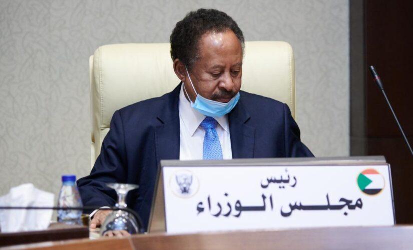 مجلس الوزراء يتلقى تنويرا حول زيارة حمدوك للسعودية ومصر