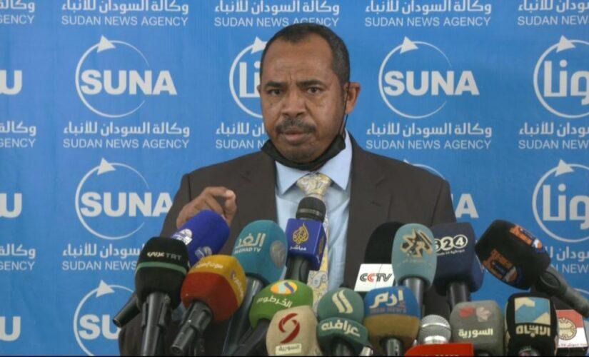 وزير الإعلام يؤكد على ضرورة التفكير في مشروعات جديدةلمرحلة الانتقال