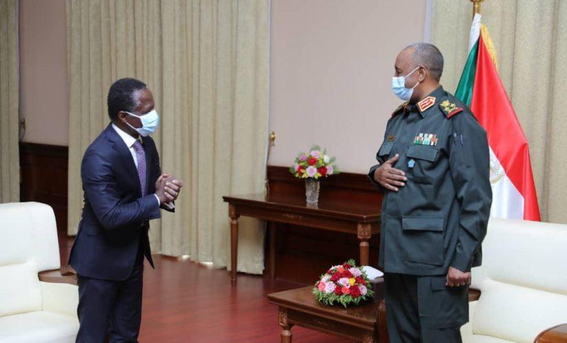 البرهان يلتقي المبعوث الخاص للأمين العام للأمم المتحدة للقرن الأفريقي