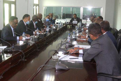 لجنة انفاذ السياسات الاقتصادية تعقد اجتماعاً مع مديري البنوك المحلية