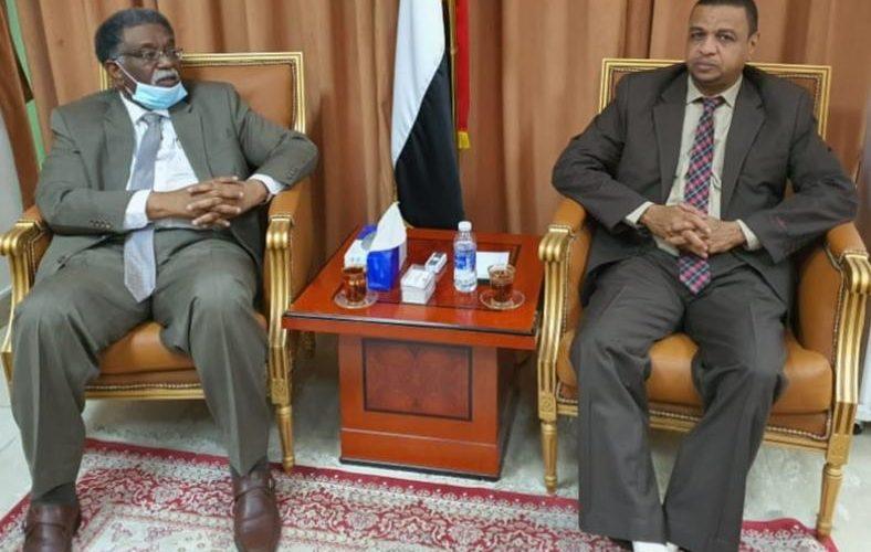سفير السودان بالرياض يشيد بمعالجة ديوان الزكاة لقضايا المغتربين بالمملكة