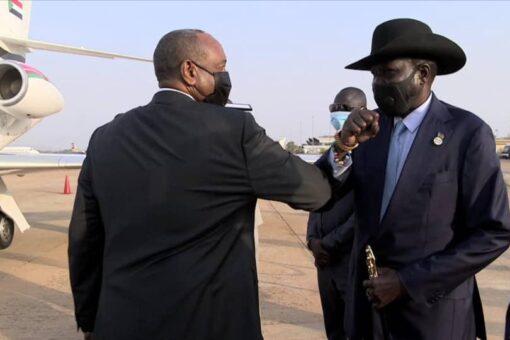 برهان يعود بعدزيارة لجمهوريتي يوغندا وجنوب السودان ب