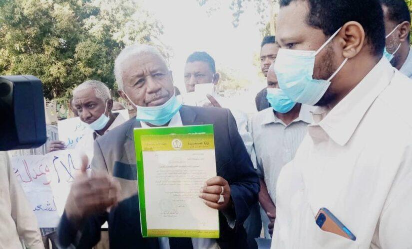 الكوادر الصحية بالجزيرة تطالب الوالي بتوفير الحماية اللازمة