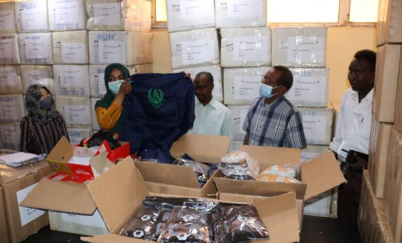 معدات سلامة وحماية للعاملين في مجال نقل النفايات من جايكا