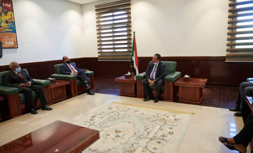 حمدوك يلتقى وفد بنك التنمية والتجارة بشرق أفريقيا