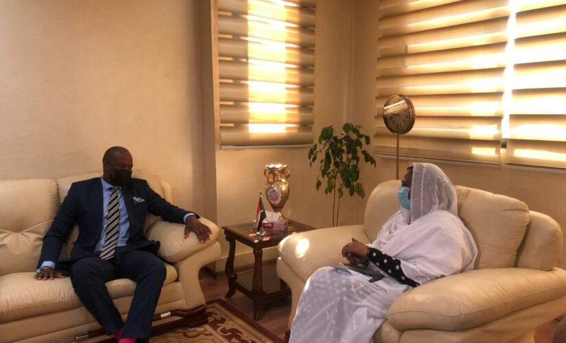 وزيرةالخارجية تلتقي الامين العام لمنظمة التجارة الحرة الأفريقية
