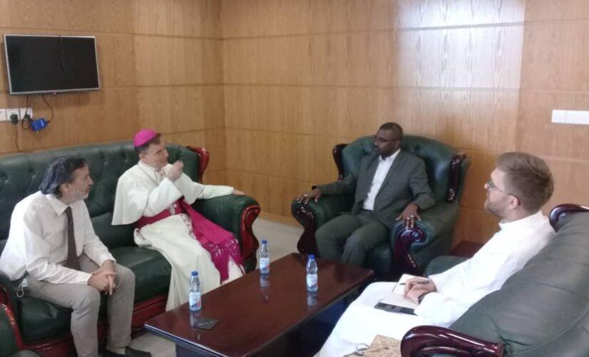 وزير الشؤون الدينية والاوقاف يلتقي سفير الفاتيكان بالسودان