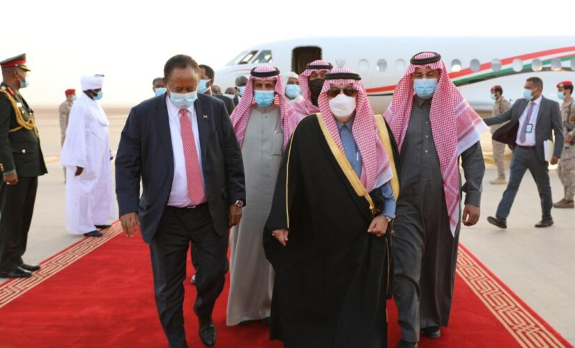 حمدوك يصل المملكة العربية السعودية