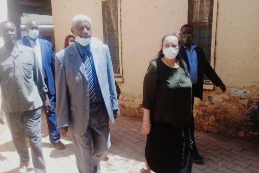 عضو مجلس السيادة الأستاذة رجاء نيكولا تتفقد مستشفى ودمدني التعليمي