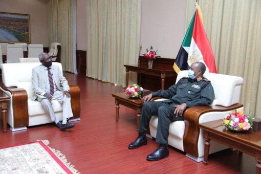 البرهان يؤكد أهمية استقرار الأوضاع الأمنية والسياسية بولاية البحر الأحمر