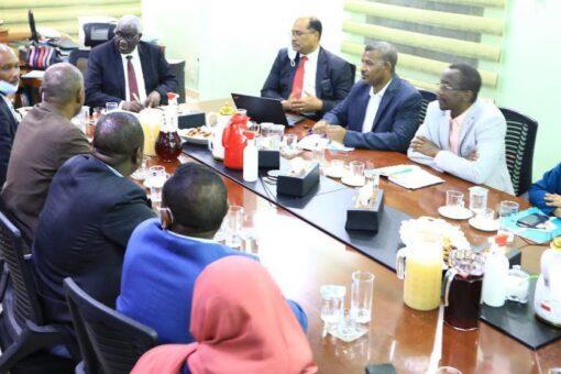 وزير التنمية الاجتماعيّةيقف على تحديات وخطط الصندوق القوميّ للتأمين الصحيّ
