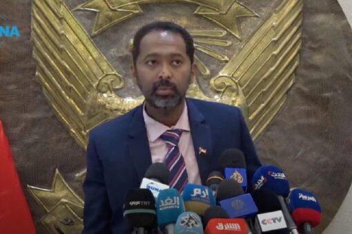 حمدوك يعود للبلاد من جمهورية مصر