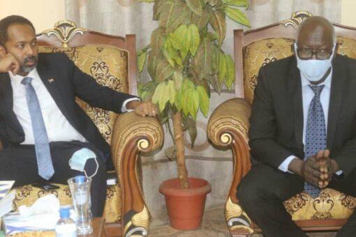 وزير شؤون مجلس الوزراء يزور الأمانة العامة لمجلس التخطيط الإستراتيجي