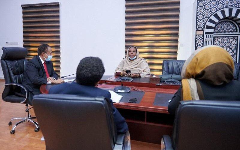 حمدوك يوجِّه بأهمية التشاور حول مشروع قانون النقابات الجديد