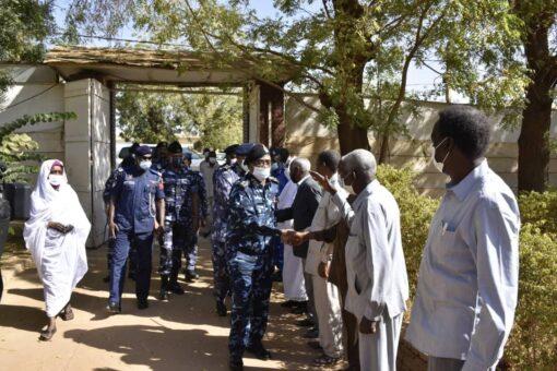 وزير الداخلية ومدير عام الشرطة يتفقدان دارالوثائق القوميةَ