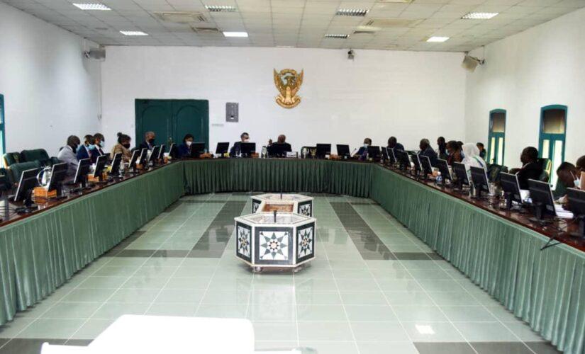 اجتماع مشترك للجنة الوطنية التنفيذية مع بعثة الـ(يونيتامس)