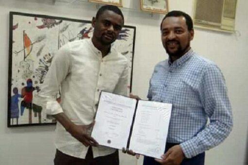 الأولمبية تشيد بإختيار لاعب الهلال السابق (بشة) محللا بالمنتخب الزامبي