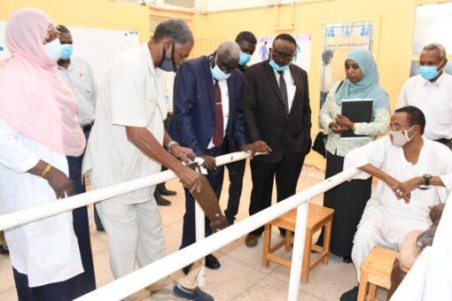 وزير التنمية الاجتماعية يتفقد الهيئة العامة للأجهزة التعويضيّة للمعاقين