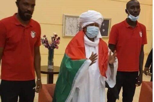 د. حمدوك يهنئ المنتخب الوطني ويؤكد دعمه له