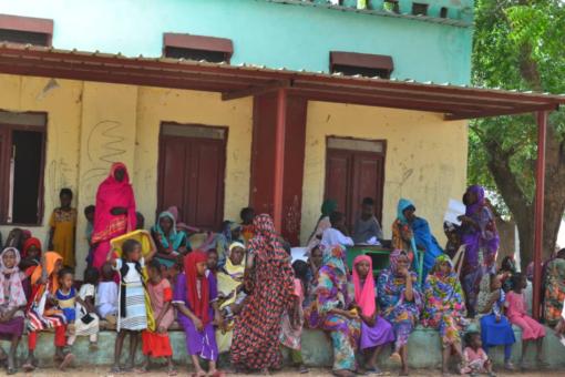 التأمين الصحي يقيم مخيما علاجيا مجانيا بريفي شمال الروصيرص